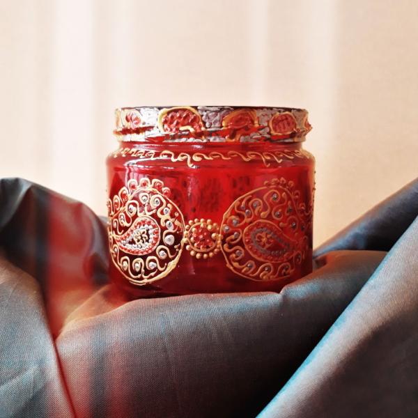 Crimson tealight holder