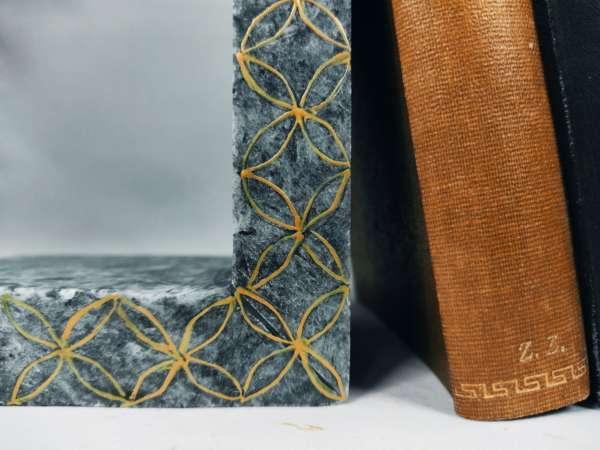 Grey Aliveri Bookstands