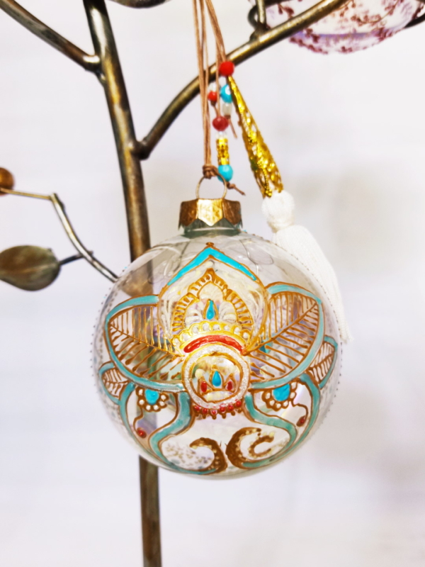 Paisley flower bauble