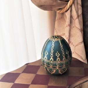 Pine green ceramic egg
