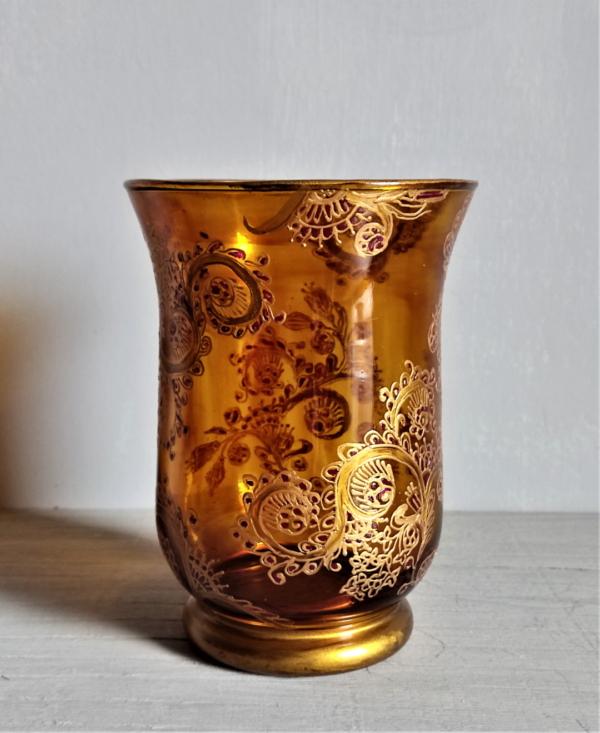 honey brown bell shape