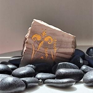 Minoan flower paper weight